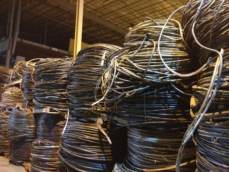 photo 3 telephone cable skin
