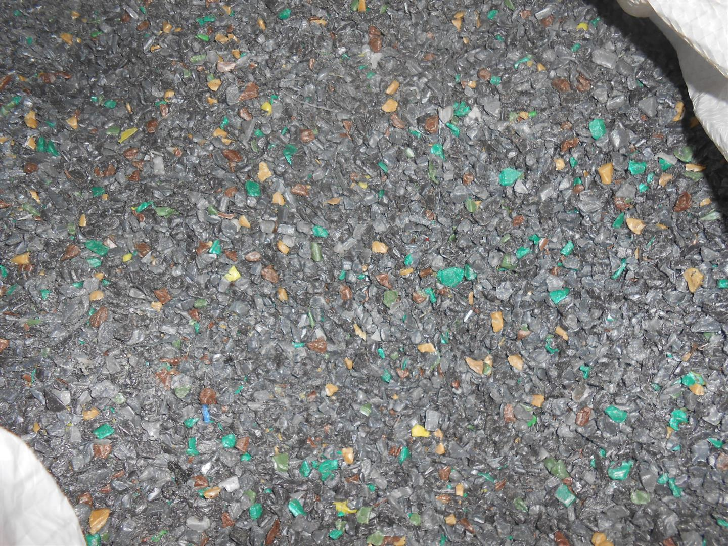 HDPE GARBAGE BIN SHREDDED